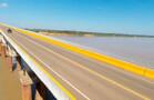 Mulher é salva por canoeiro após tentativa de suicídio em ponte