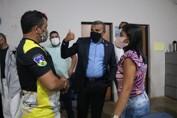 """Deputado Alex Silva entrega materiais esportivos para o projeto """"formando campeões de karatê"""", no Cristal da Calama"""