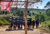 PM cumpre reintegração de posse e famílias saem pacificamente de área invadida em Machadinho