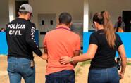 Pai e padrasto são presos acusados de abusarem de duas irmãs
