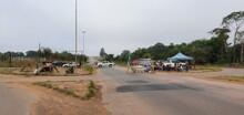 Manifestantes liberam BR-364, mas permanecem nas laterais da rodovia; PRF pode agir