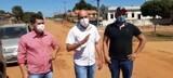 Ismael Crispin verifica avenidas que receberão pavimentação asfáltica em Mirante da Serra