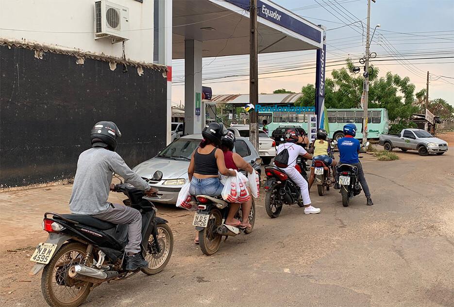 Combustível começa a faltar na capital; PRF relata bloqueios em 13 pontos em Rondônia