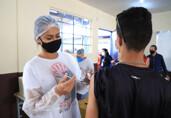 Prefeito de Porto Velho determina retomada de vacinação em adolescentes sem comorbidades
