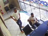 Vídeo: bandidos violentos roubam e agridem empresário durante assalto na Associação Comercial de Rondônia