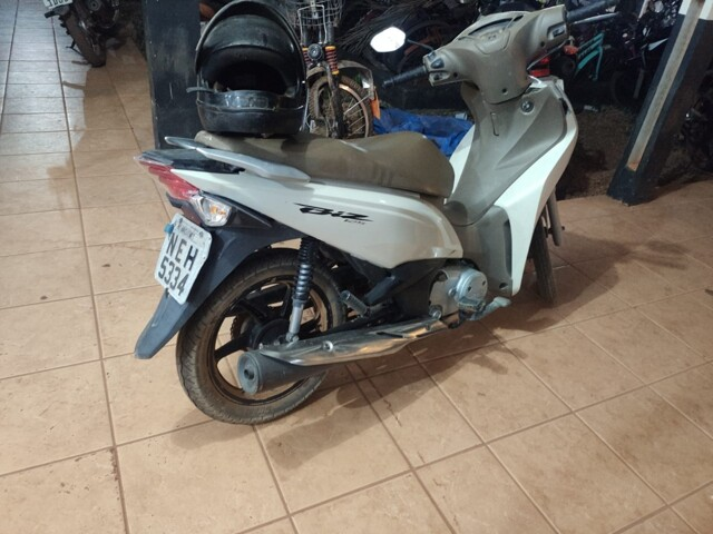 PM prende suspeito com moto roubada