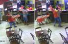Vídeo: funcionário reage a assalto e ataca bandido com cadeirada durante roubo