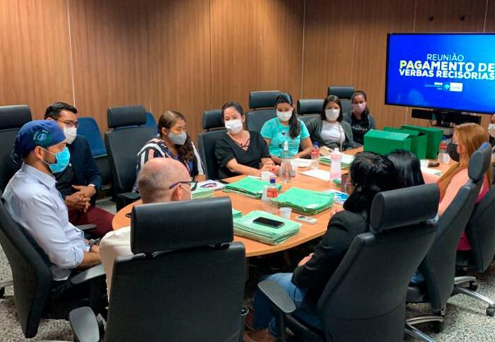 Atuaram na pandemia: Governo diz que começa a pagar na quarta-feira servidores que foram demitidos de hospitais