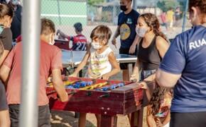 Projeto Rua de Lazer chega ao bairro Aponiã com recreação e prática esportiva