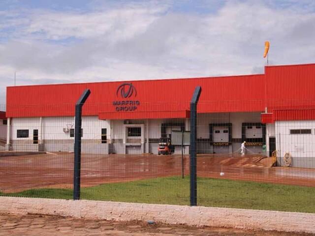 Sindicato e Marfrig chegam a acordo para demissão de 950 trabalhadores