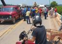 Vídeo: grave acidente entre três veículos deixa homem preso às ferragens em ponte