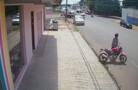 PM prende jovem com moto furtada em Porto Velho; câmera flagrou o crime