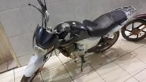 Motociclista é preso com moto roubada após fugir da PM