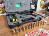 Operação do Denarc e 1° DP prende dois e apreende droga, munições e arma furtada de transportadora