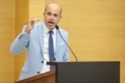 Ismael Crispin chama atenção mais uma vez para importância dos psicólogos e assistentes sociais nas escolas públicas